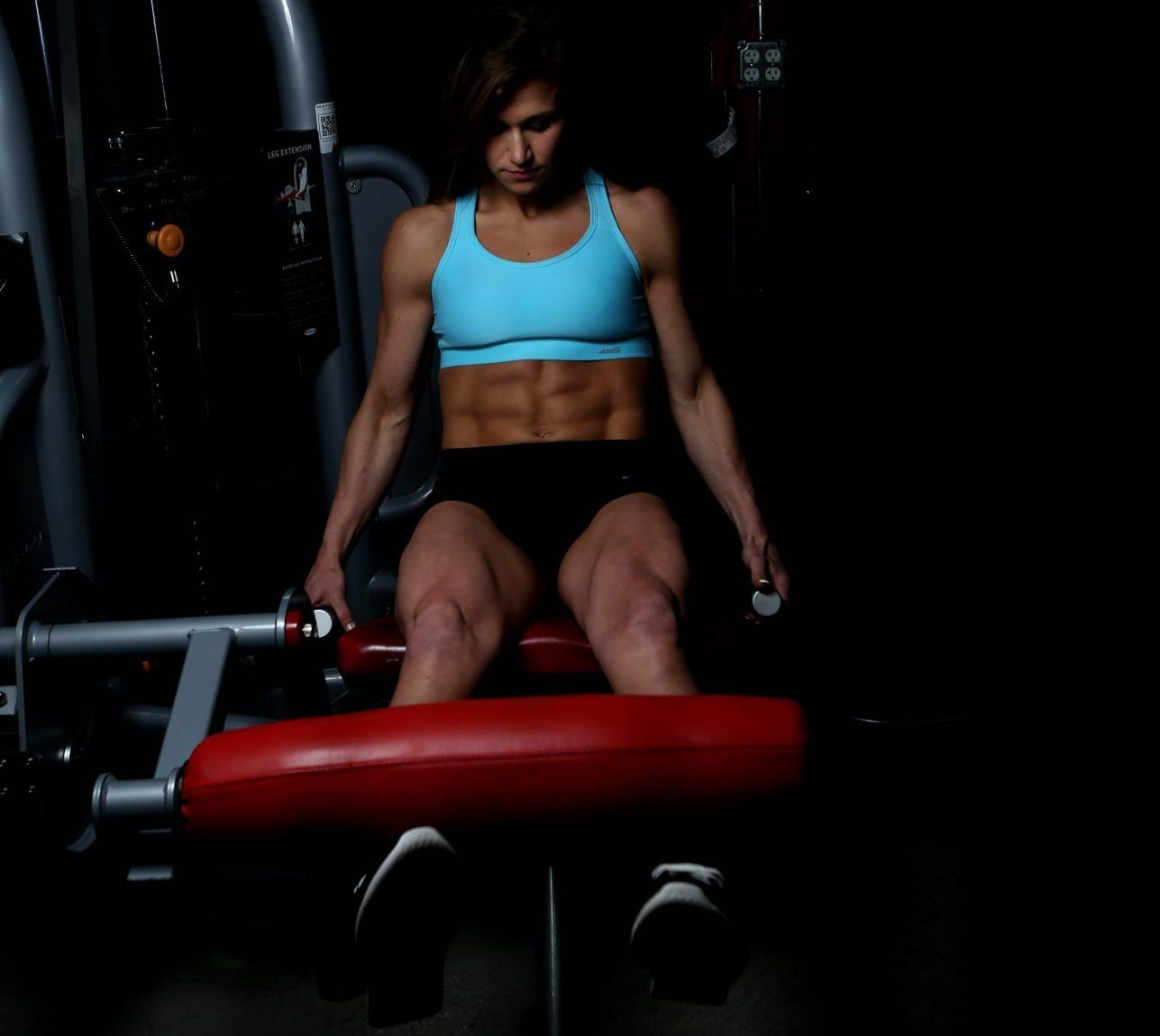 meagan_workout_motivation-leg-extension